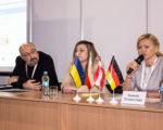 Вітальне слово до учасників конференції  Директор ДП «НДІБВ» Хижняк Владислава Олександрівна